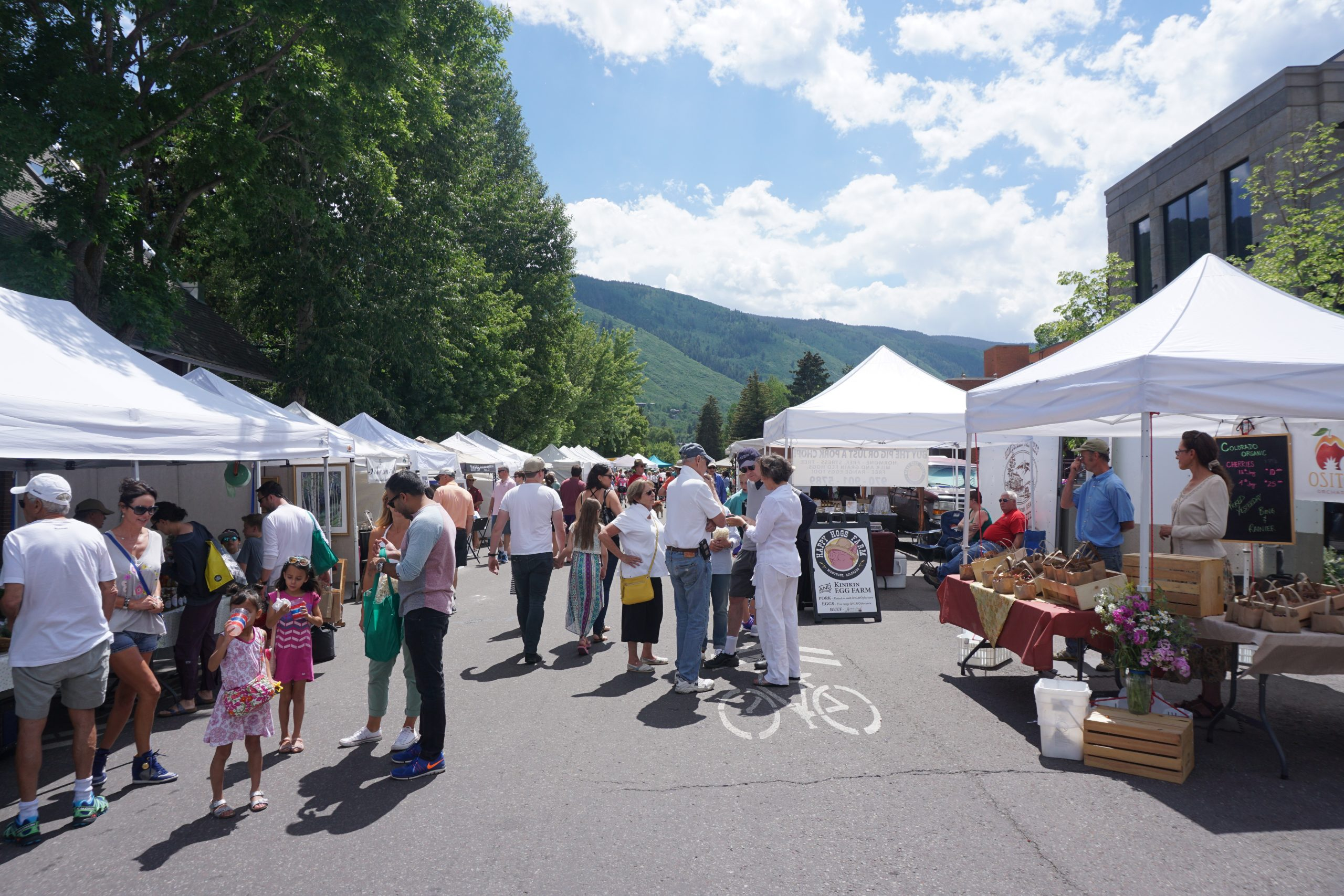 Aspen Colorado Farmers market on a busy Saturday is full of organic foods and homemade product